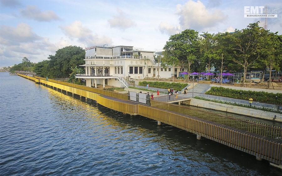 Cầu đi bộ gỗ lim sông Hương Huế