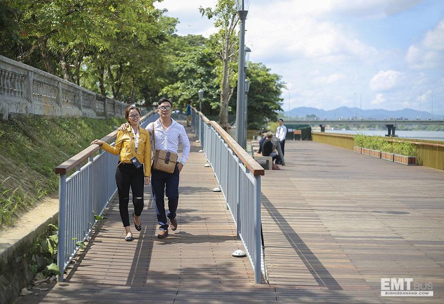 Cầu gỗ lim trên sông Hương